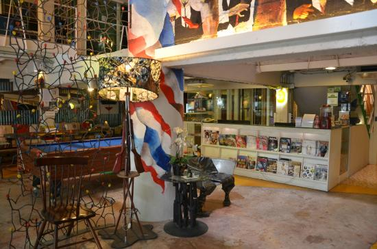 Silom Art Hostel: Lobby area