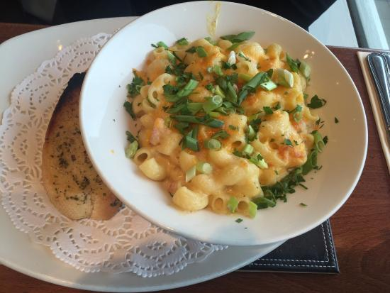 Duck Bay Hotel & Marina: Macaroni cheese