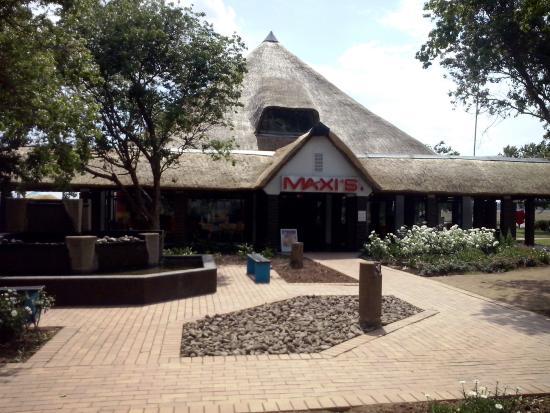 Maxi's Restaurant: Maxi's