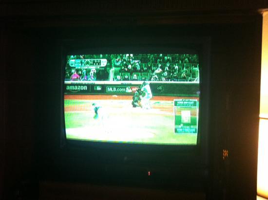 "Caravelle Inn & Suites: the ""green"" TV"