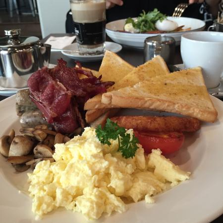 Emirato de Abu Dabi, Emiratos Árabes Unidos: The big breakfast
