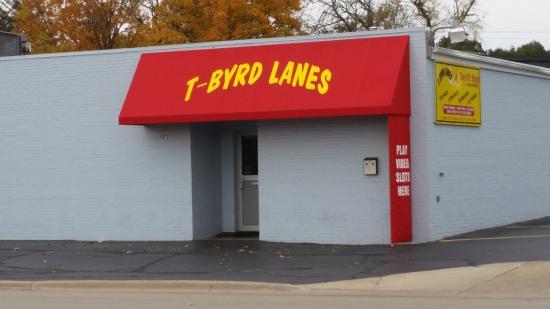 T-Byrd Lanes: Outside - No fancy facade