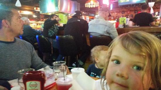 T-Byrd Lanes: Eating by the bar