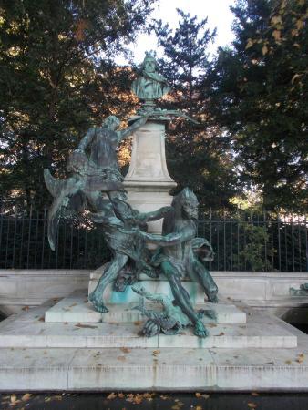 París, Francia: Statue