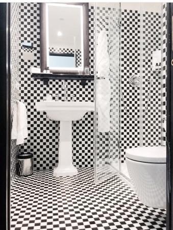 The Chess Hotel Ванная