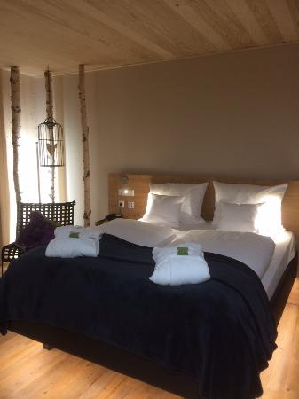 Unser wunderbares Zimmer im Holzhaus. - Bild von Waldeck Spa ...