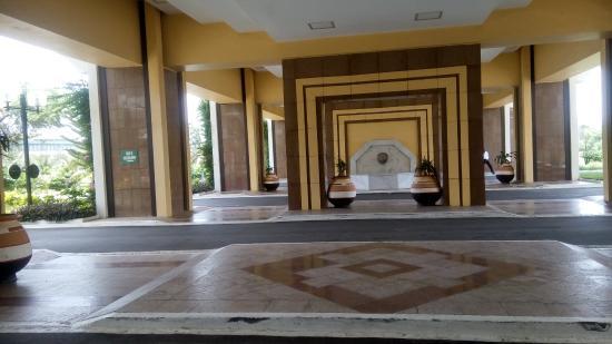 King Fahd Palace: automated entrance