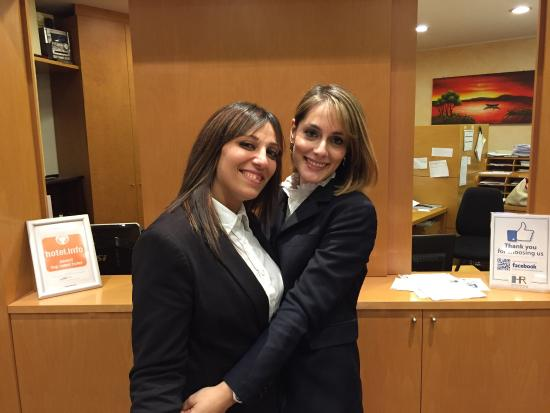 Hotel Raffaello: Le migliori receptionist per educazione, professionalita', cordialita' e bellezza. Cristian Stan