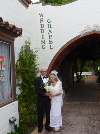 Knights Inn Palm Springs : Ceremony 1 mile from Knights Inn downtown Palm Springs