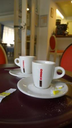 Hôtel de la Vallée : il caffe Kimbo è meglio sottolineare che sia ristretto