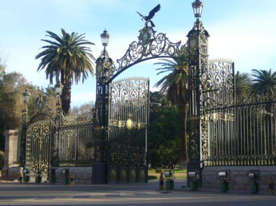 Portones del Parque San Martin