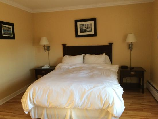 Grenfell Heritage Hotel & Suites : our comfortable bed
