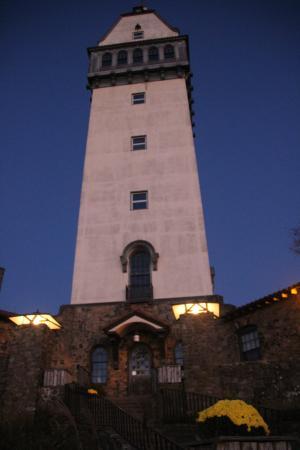 Talcott Mountain State Park - Tower