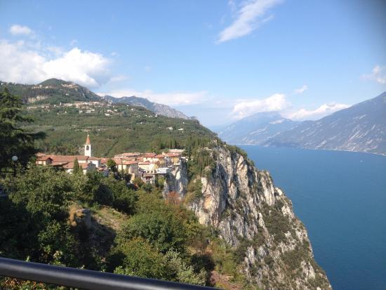 レストランテラスからの風景 - Picture of Terrazza del Brivido ...