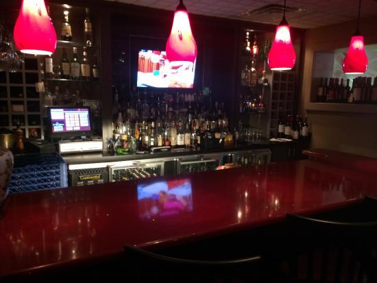 Pinckney, MI: Bar