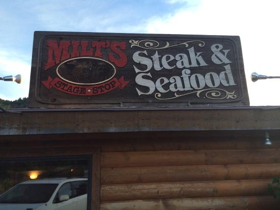 Milts Stage Stop: This place is awesome! Finally got a chance to take my wife on a hike/dinner date. We had the pr