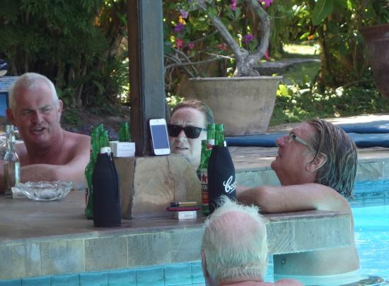 Panorama Cottages 2: Pool bar action