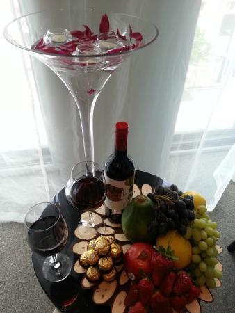 Hotel 115 Christchurch: Honeymoon suite package