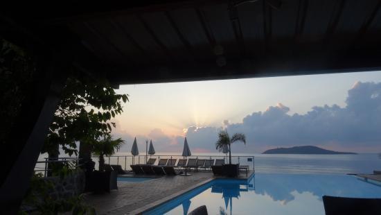 Bandrele, Mayotte: Vue depuis le petit déjeuner