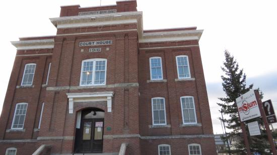Sam Waller Museum: The Court House was built in 1917
