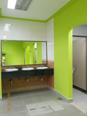 Harvard Suasana Hotel: Ladies changing room