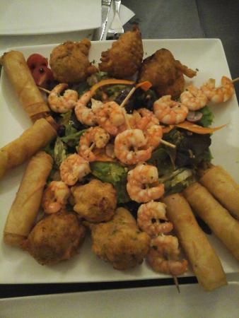 Ruoms, Frankrijk: Assiette Asiatique à partager