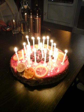 Ruoms, France : Gâteau d'anniversaire fait maison!!