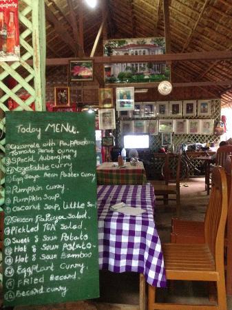 Yar Pyi Vegetarian Restaurant: Menu