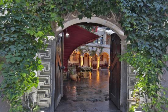 Goreme House: Gate