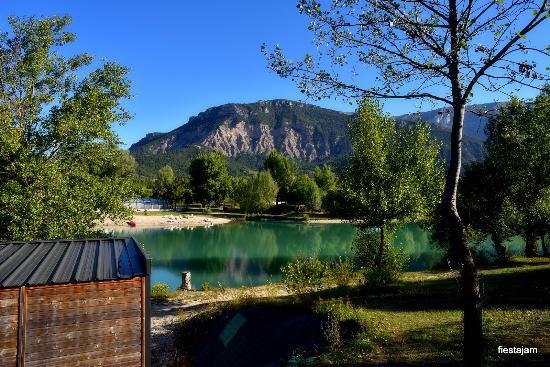 Le Lac Bleu : vue mobil-home