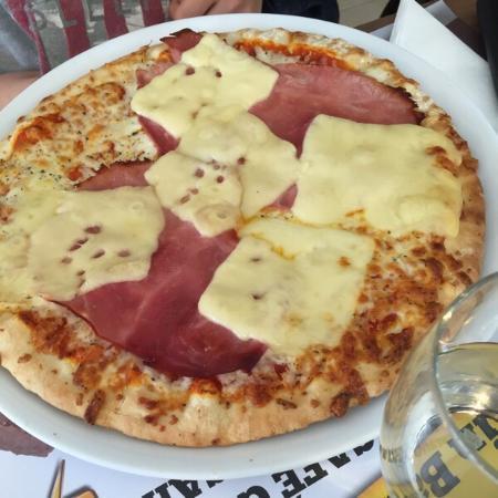 Campanile Nevers Nord - Varennes Vauzelles: Pizza et onglet de bœuf