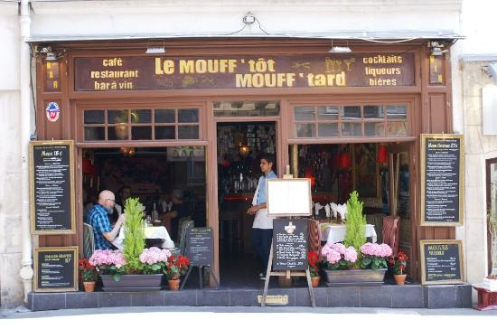 rue mouffetard restaurant typique photo de 5 me arrondissement paris tripadvisor. Black Bedroom Furniture Sets. Home Design Ideas