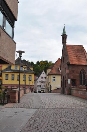 Nikolauskapelle: view with the bridge