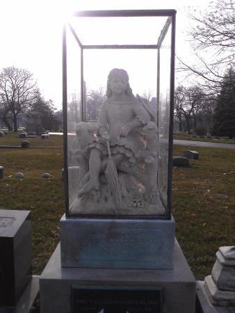 Graceland Picture Of Graceland Cemetery Chicago Tripadvisor