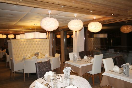 Chalet-Hotel Alpina: Restaurant