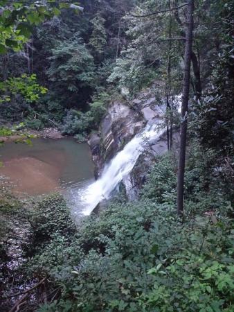 Tiger Creek Falls Inn : beautiful waterfall overlook (2nd waterfall - overlook access only)