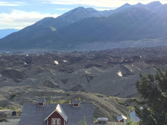 Kennicott Glacier Lodge: View from South Wing Room of the glacier moraine