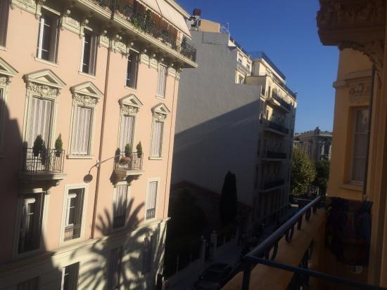 Hotel Gounod Nice: 海の方面