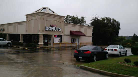 Troy's Donuts