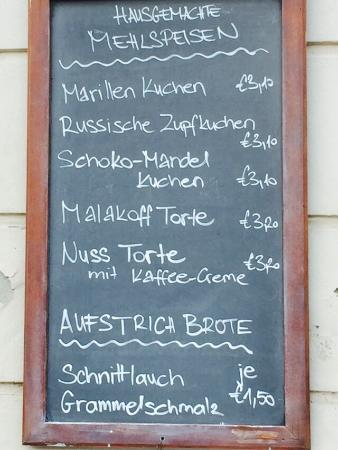 Rust, ออสเตรีย: Café Conrad eine perfekte Rast bei einem Glas Süßwein und einem Stück selbstgemachten Kuchen!