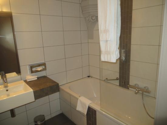 badkamer picture of martin s patershof mechelen tripadvisor rh tripadvisor com