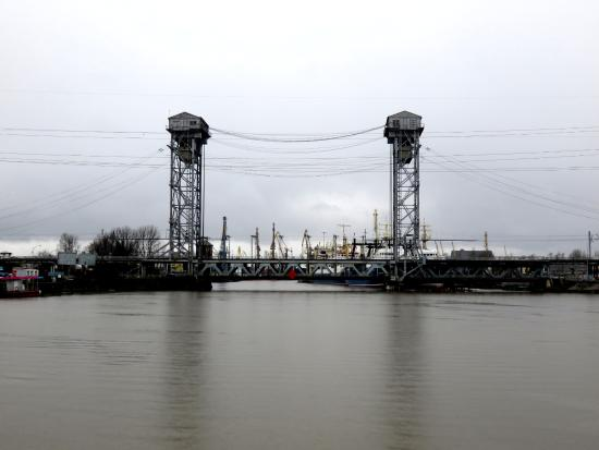 Dvukhyarusny Bridge