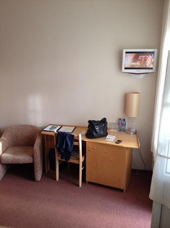 Hotel Edvards: Room 303