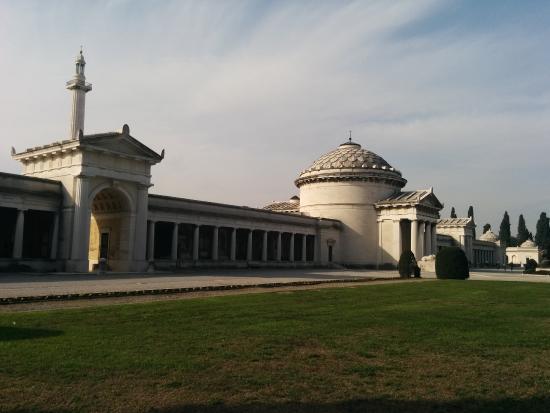 Cimitero Vantiniano