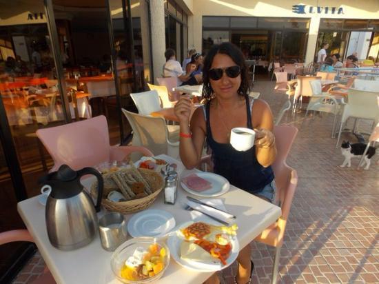 Evi Hotel Rhodes: Завтрак