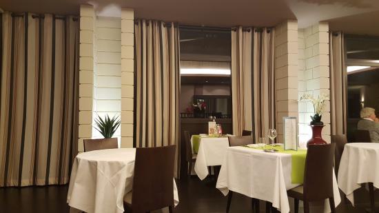 Mercure Moulins Nord : Salle de restaurant