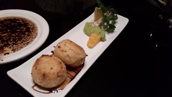 Leon Bistro: Seafood Cakes - daily special