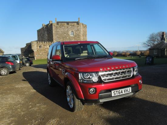 Maxwell Chauffeur Service - Day Tour: Discovery at Blackness Castle