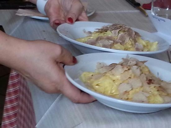 Pocapaglia, Italien: Taglierini al tartufo bianco