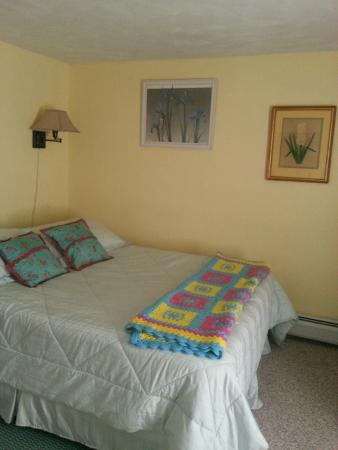 Calais, ME: Bedroom 2